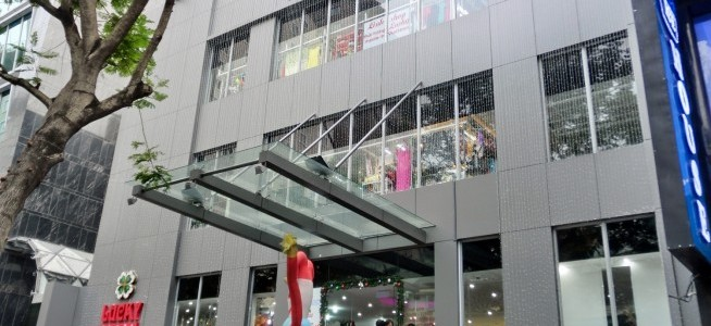 TAX super market was re-opened to buy souvenir conveniently in Ho Chi Minh City in November 25