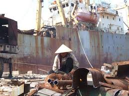(日本語) ベトナム政府、解体するための中古船に対する輸入条件を規定