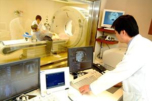 (日本語) ベトナム財務省は医療設備の輸入関税の免税についてガイドラインを公開した