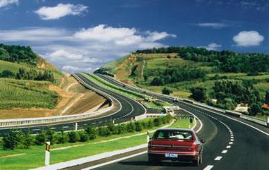 ハノイ~ハイフォン間高速道路の最初の区間は5月27日に開通